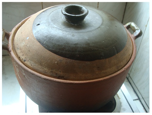 Chinese Clay Pot for Soup.