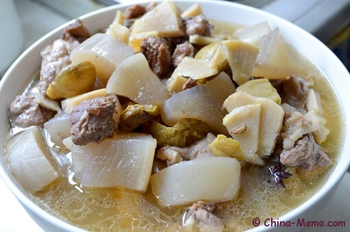 Chinese Duck Radish Soup