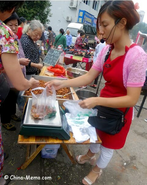 China Local Food Market Vendor