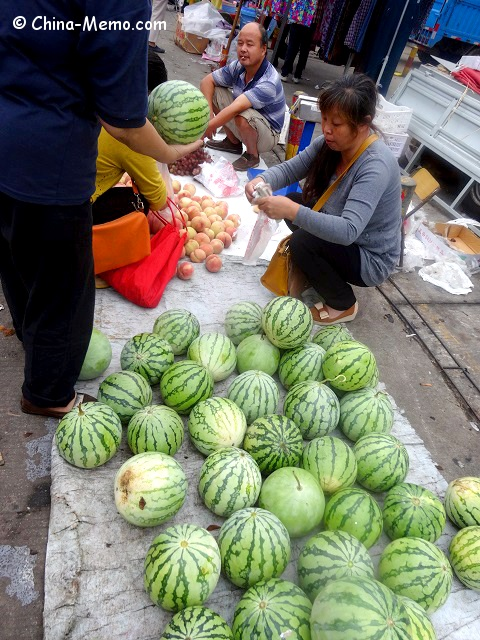 China Local Street Market Water Melons