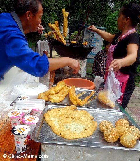 China Local Food Street Market Breakfast You Tiao