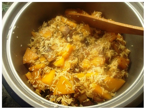 Chinese Squash Sausage Belly and Rice (in Rice Cooker).