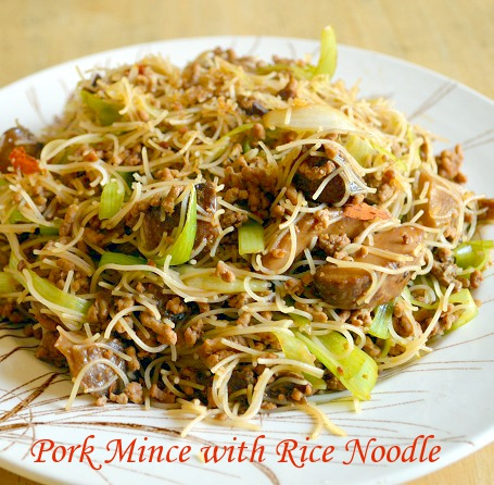 Chinese Pork Mince with Rice Noodle